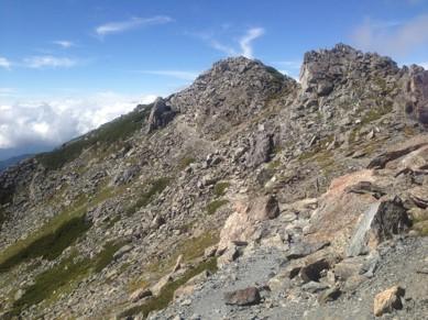 北岳山頂を望む2