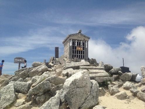 甲斐駒山頂神社