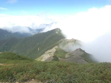 小太郎山方面を望む